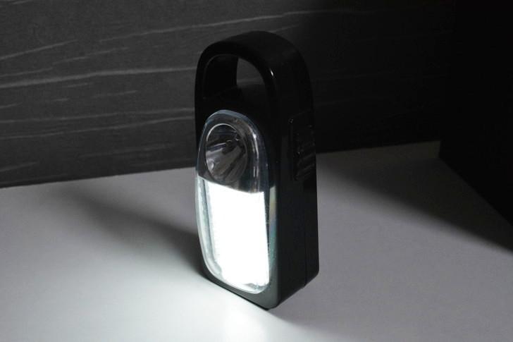 一人暮らしの僕が3年以上愛用し続けてる100均アイテム8選:蛍光灯
