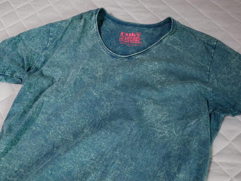 「Ouky(オーキー)」という最高にカッコ良いダメージTシャツについて語る: 全体(Sandbar)